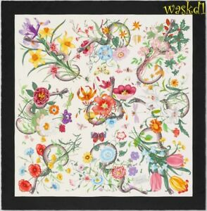 GUCCI white Black border FLORA SNAKE signed silk scarf Bandana NWT Authentc $495
