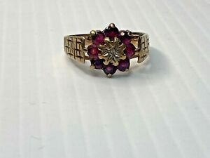 Vintage 9ct yellow gold Ruby and Damond cluster ring. Size N 1/2.