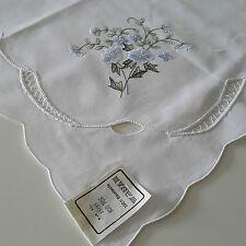 Tischdecke Mitteldecke Neu weiß Blumen Ornament Stickerei 83x83 cm