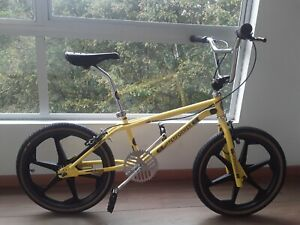 GT PRO PERFORMER 1985 Rare Survivor GT Freestyle Yellow GT Wheels Dyno BMX Class