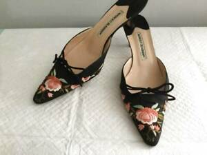 "41 / 10 Manolo Blahnik Black Satin Floral Embroidered Mules Kitten Heel 2"""