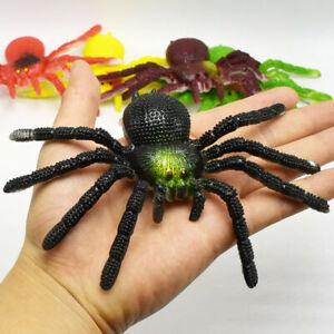 2x 15CM Large Fake Realistic Spider Insect Model Toy Fun Halloween Scary Prop