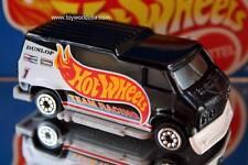 1993 Hot Wheels City Gas Station Sto & Go Playset Exclusive Custom Van black