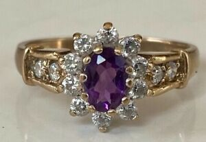 Very Beautiful vintgage 9ct gold amethyst & White Sapphire ring