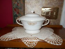 Theodore Haviland Fairfield Ivory Gold Covered Casserole Covered Vegetable Bowl