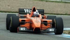 Minichamps 1:43 McLaren-Mercedes MP4/12 David Coulthard - 1997 Test Car (West)