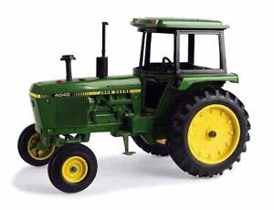 Ertl 1/16 Escala John Deere 4040 Tractor Modelo Nuevo 45546