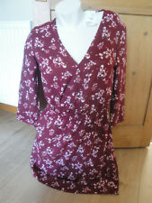 H&M Size 14 Red / White Floral, V-Neck, Long Sleeve Wrap Style Knee Length Dress