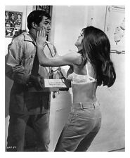 The Graduate still Dustin Hoffman with Katharine Ross in bra - (g700)