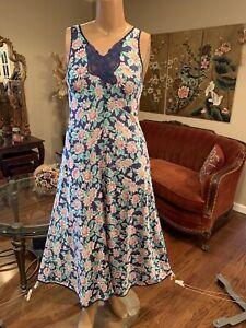 Vintage 80's Vanity Fair Navy Blue Floral Nylon maxi Nightgown Medium Large