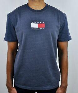 TOMMY HILFIGER JEANS Flag Logo Crew Neck T-Shirt in Navy For Men