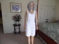 Calvin Klein White W/ White Sequin Embellish Front Sheath Dress Size 6