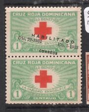 Dominican Republic SC 265b Red Cross Pair One Slanted Opt, One No Opt MOG (8djl)