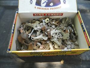 Giant Lot of 100s of Antique Keys