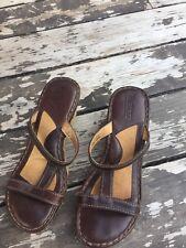 66fea43e79d5 Born Wedge Sandals Espadrilles slides leather strappy Brown Womens Size 9 M  EUC!