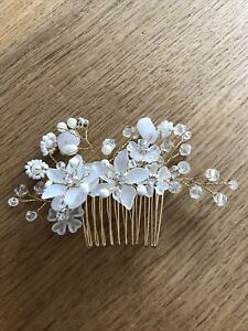Hair Accessory For Weddings And Parties
