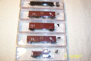 5 ROUNDHOUSE, FREIGHT CARS,  IN ORIGINAL BOX, N Scale !!!