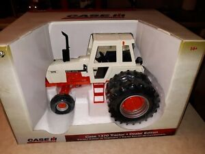 Ertl Case 1370 Agri King Dealer Edition 1/16 scale with Duals