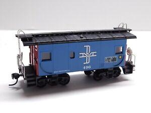 HO Scale - Custom Boston & Maine Caboose Train Car B&M #496