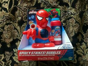 MARVEL ULTIMATE SPIDER-MAN BUBBLE BELLIE WITH 8 OZ BUBBLE SOLUTION.