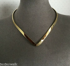 "HEAVY GOLD PLATED "" V "" COLLAR"