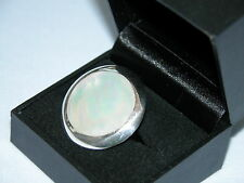 LOT 28 STUNNING CIRCULAR WHITE MOTHER OF PEARL SOLID STERLING SILVER RING SIZE O