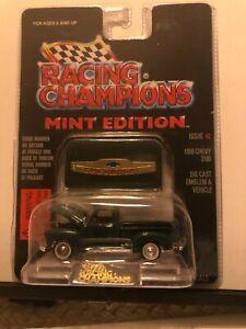 1/64 RACING CHAMPIONS MINT #2 1950 CHEVROLET 3100 PICKUP GREEN