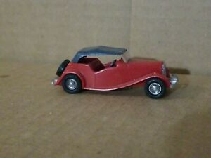 Lindberg Mini Lindy MG TD Red with Black Top #15 Plastic 1:64 Scale