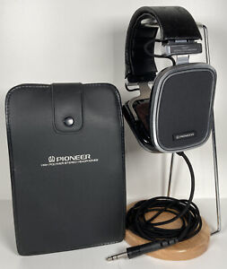 Rare Vintage Pioneer SE-500 Headphones with Original Case - EUC
