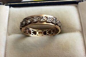 Beautiful Ladies Stamped Vintage 9 Carat White & Yellow Gold White Stone Band