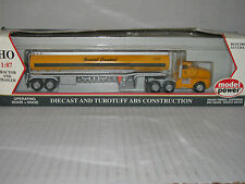 Model Power Ho scale #16005 General Cesspool Tractor & Tanker