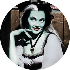 IMAN/MAGNET LA FAMILIA MONSTER Lily . the munsters herman yvonne de carlo