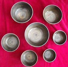 7 Chakra Klangschalen (Chakra Tuned 7 Pieces Singing Bowls Bronze Hand made)
