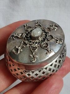 Vintage Penetrated Sterling silver Pill/ Trinket/ Sweet Candy Box wth Moon Stone