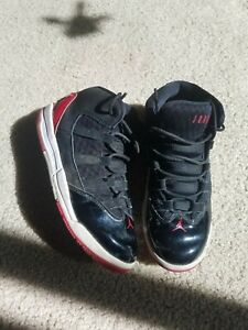 Boys Air Jordan Shoes –Size 1.5Y preowned Red/Black/white