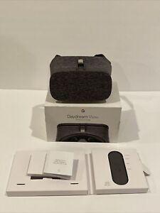 Google Daydream View VR Headset - GA00211-US -Fog - Used Very Good