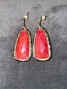 KENDRA SCOTT RED STONE DANGLE GOLD EARRINGS