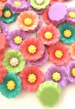 10 FLOWER CABOCHONS-18MM-RESIN FLATBACK CABOCHON-DECODEN-PINK/GREEN-FLOWERS