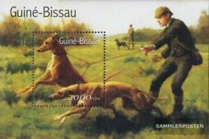 Guinea-Bissau block336 (complete issue) unmounted mint / never hinged 2001 Dogs
