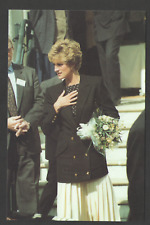POSTCARD Royalty PRINCESS DIANA in LONDON 10/09/92