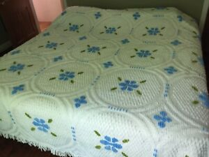 "VTG BEDSPREAD Nylon Chenille 91""X104"" Fringe Blue Floral Clean EUC"