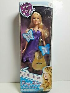 Taylor Swift Pretty Melody Doll Boxed 2010 Fashion Collection violet dress Jakks