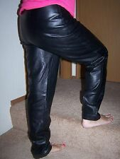 woman's size 6 black leather pants/26X30/lined/pleated front