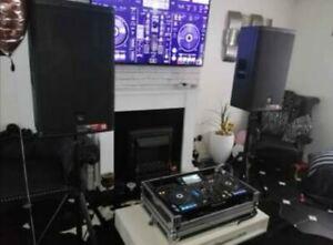 2 X Electrovoice EV ELX115P 1000W Powered DJ Speakers