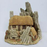 "1986 David Winter ""Crofter's Cottage"" in Original Box with COA"