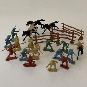 """VINTAGE COWBOYS & """"Indians"""" Figures Horses Bundle Multicoloured Plastic"""