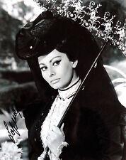 Sophia Loren signed beautiful romantic 8x10 photo / autograph