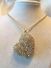 BEAUTIFUL Design CHUNKY Goldtone Rhinestone Encrust PUFFY HEART Necklace 14N113