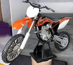 KTM  450 SX-F Motocross bike 1:12 Scale Model ?Toy Bike display showroom model
