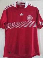 Denmark 2010-2011 Home Football Shirt Size Medium /40333